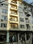 """Улица """"Граф Игнатиев"""" - всеки от двата магазина, които се виждат, се е разпрострял в ширина под две помещения. Снимка: e-vestnik"""